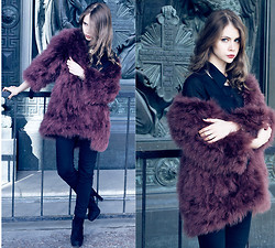 Anna Vershinina - Chic Wish Feather Coat - Chicwish Feather Coat