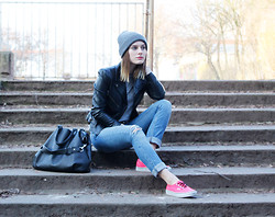 MAGDALENA . - Acne Studios Beanie, Weekday Tshirt, New Yorker Fake Leather Jacket, H&M Jeans, Vans Shoes - Neon Pink Vans and Ripped Jeans.