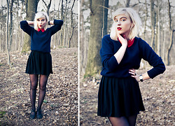 Rebecka Bjurmell - Monki Shirt / Red Collar, Vintage Sweater, American Apparel Chiffon Skirt, Vagabond Shoes, H&M Ring, Vintage Watch - XXXO