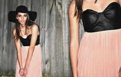 Blinky Bill M. - Sportsgirl Wide Brim Hat, Reverse Leather Bust Dress - NUDE