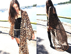Blinky Bill M. - Reverse Long Leopard Kimono, Velvet Stud Bustier, S E N O Wedge Shoes - Overexposed