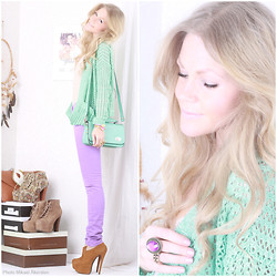 Anna Wiklund - Mint Cardigan, Mint Bag, Heels, Compassion Bracelets, Horn Ring - I'VE GOT SOMETHING I CAN LAUGH ABOUT