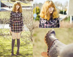 Malin Oberg - Romwe Plaid Shirt/Dress, H&M Knitted Knee Highs, Topshop Clogs With Heels - 15 degrees