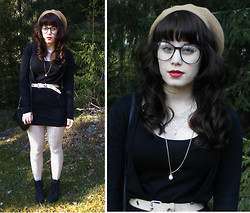 Janni L - H&M Beret, Veeeery Old Lace Collar, Diy Pearl Necklace, 2nd Hand Bag, Bullboxer Lita Inspired Shoes - I'm bored