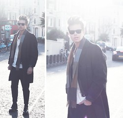 Andreas Wijk -  - I can play the background.
