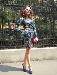 Gabriela A. - Vintage Colour Blockin Dress, Benvenutti Heels - Spring is wearing me!