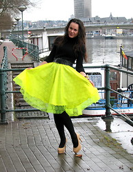 Nonna Tiwow - Diy Neon Yellow Lace, Nelly Shoes Stud - Need some brightness when it's cloudy