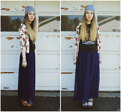Stacey Belko - Forever 21 Cardigan, Free People Vintage Shirt, Forever 21 Skirt, Minimarket Wedge - Red, white & blue.