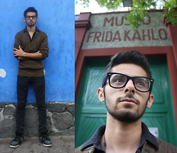 Simon Malvaez - American Eagle Black Shirt, Hot Topic Black Jeans, Forever 21 Shoes, Ray Ban Glasses, Frida Kahlo's Museum! - Somewhere in Coyoacán...
