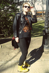 KatyAnna G - C&A Sunglasses, Tolsadoro Creazioni Vintage Leather Jacket, Power Switch Boots - It's the sun