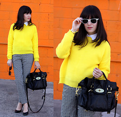 Fashion Pea - Mulberry Bag, Ray Ban Sunnies - Neon X houndstooth