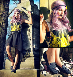 Melania Plasko - Urban Outfitters Skull T Top, Sam Edelman Spiked Shoes, Pacsun Asymmetrical Skirt - Dead Weather