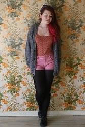 Shirin Gorilla - Vintage Floral Top, Pimkie Pink Shorts, H&M Cardigan, Schuh Shoes, Vintage Bow - Greetings from flashbackville