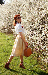 Kerry Lockwood - Vintage 60's Lace Dress Worn As Top, Vintage Make Shift Fruit Brooch, H&M Small Round Brown Sunglasses, Beyond Retro Vintage 50's Yellow Gingham School Skirt, Snoopers Paradise, Brighton Vintage Vanity Case, Topshop Brown Multi Strap Wedges - A Blossom Fell...
