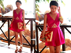 Olivia Lopez - Finders Keepers The Label Romper, Rebecca Minkoff Mac Straw Clutch, Chloé Gilded Heel Sandals - Vacation Luxe