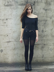 Joanna Kuchta - H&M Leotard, Primark Overknee Socks - Back to black