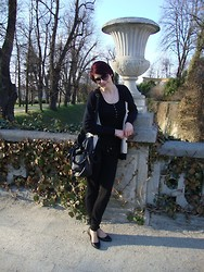Justyna * - House Bag, Gift :) Black White Cardigan, New Yorker Black Top, Bershka Pants - Edward Sharpe & The Magnetic Zeros > 40 Day Dream
