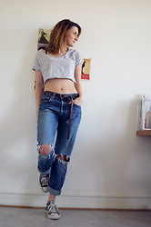Isa Xoxo - American Apparel Cropped T Shirt, Levi's® Jeans - OLD LEVIS