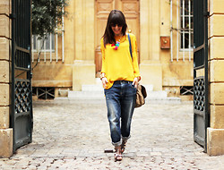 Thelittleworldoffashion Aude - Samsoe Top, Chic Wish Necklace, Cache Bag, Guess? Jeans, Finsk Shoes, Jimmy Fairly Sunnies - Petit pois