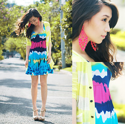 Kryz Uy - Extreme Finds Neon Earrings, House Of Eva Tie Dye Print Dress, Wagw Neon Yellow Cardigan, Aldo T Strap Heels - Color my summer