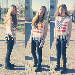 Anna Trapé - Usa T Shirt, Dr. Martens Dr.Martens - You're the one and only.