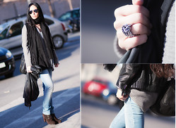 WOWS . - Mango Bag, Ray Ban Sunnies, Zara Cardigan, Mango Leather Jacket, Diesel Jeans, Zara Scarf, Mango Booties, Bimba&Lola Ring - ✻✼✽ LEATHER JACKET and JEANS...waiting for a GREAT Giveaway