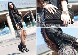 WOWS . - Michael Kors Watch, Ray Ban Sunnies, Zara Asymmetrical Skirt, Zara Biker Jacket, Uterqüe Booties, Mango Bag, Bimba&Lola Bracelets, Bimba&Lola Ring - ! Giveaway JEFFREY CAMPBELL!  // ASYMMETRICAL SKIRT
