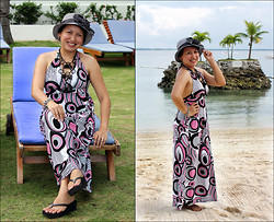 Ms. Chique - Havaianas Black Wedge Flip Flops, Abstracts Maxi Dress, Floral Black Pearl Bangle, Jewelry Expo Chuncky Necklace, Sm Black & White Bucket Hat - Summer Sun Kissed Skin, let's make it last forever!