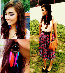 Shyne Laorden - Soul Lifestyle Coffee Caramel Sling Bag, Parisian Black For Good, Dream Feather, Shyne Hair And Make Up - Colorful Lady