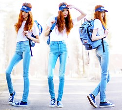 Ebba Zingmark - Jeans, Backpack, Converse Sneakers, Cap - Ride it out like a bird in the skyways