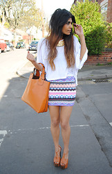 Kavita D - Missguided Aztec / Tribal Bodycon Skirt, Primark Collar Necklace, Topshop Oversized White Tee, Asos Bitten Platforms, Zara Faux Tan Tote - Missguided.