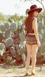 Wild At Heart - Henry Mills Shorts, Vintage Boots, Vintage Hat - Secret garden