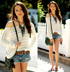 Jessica R. - Pacsun Top, American Eagle Cut Off Shorts, Aeropostle Belt, Style & Co. Bag, Express Necklace - Easy Breezy