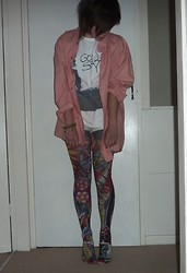 Alice Marie - Vintage Store Checked Shirt, Silky Tattoo Blaze Tights, Gorillaz Stylo Tshirt - I WANT TO LIVE LIKE COMMON PEOPLE