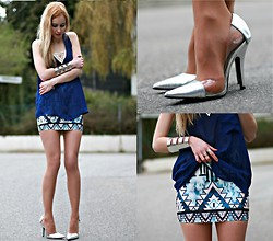 Daisy R. - Style By Tyra Geo Necklace, Nasty Gal Backless Top, Asos Cuff, New Look Perspex Heels - Metallics