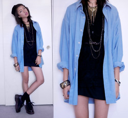 Saila Ren - Vintage Denim Button Up, Tunnel Vision Gold Necklace, Tunnel Vision Gold Bangle - TRANSITION METAL