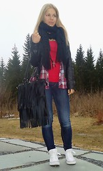 Tiina O - Only Leather Jacket, H&M Blouse, Seppälä Fringe Bag, Converse - Casual