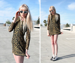 SAM ADAMS - The Cobra Shop Meg Ryan Shades, Rodarte Leopard Mini Dress, Jeremy Scott Pony Slim Shoes - Animal Prin(t)cess