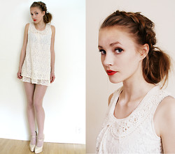 Petra Karlsson - Dress, Shoes - Blanc