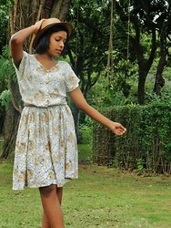 Brenda Mercado - Thrifted Vintage Floral Dress, Best Friend's Boater Hat - It just wouldn't be a picnic without the ants.