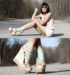 Anjelica Lorenz - Love Top, Shilla Shorts, Minkpink Sunnies, Matiko Haruka Wedges - MINT & BUTTERSCOTCH.