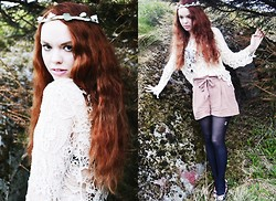 Marina Aurora Thorsen Ødegaard - H&M Shorts, Indiska Lace Shirt, Made It Myself Flower Wreath - Ophelia