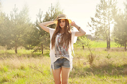 Marta Izabella - Bershka T Shirt With Fringes, Zara Jeans Shorts - Whenever, Wherever