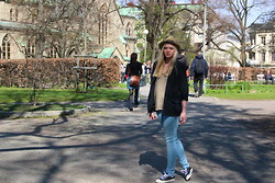 Jennifer Nilsson - Wera Hat, Bikbok Blazer - ★ summer is on its way! ★
