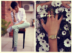 Adria Machado - Zara Green Pants, Pull & Bear Withe Shirt, Casio Watch, Pull & Bear Cross Shaped Ring - Green Paradise