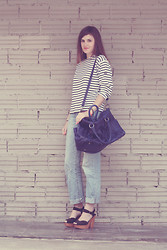 Victoria A. - Ikks Who's The Queen, Rocket Dog Wooden Sole Wedges, Armor Lux French Stripes Tshirt, H&M Boyfriend Jeans - So French