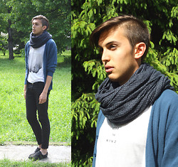 Alessandro M - Fred Perry Shoes, H&M T Shirt, United Colors Of Benetton Blue Scarf, Cardigan - Clear the mind