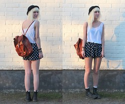 Sophie H - Secondhand White Top, Mtwtfss Dotted Shorts, Dr. Martens High Black Docs, Tjallamalla Black Hat, Vintage Leather Bag - When the sun goes down
