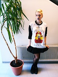 Aci Nna - Second Hand Homer Simpson Pyjama Shirt, My Mothers Old Basic Skirt, Creepers - Me and the plant