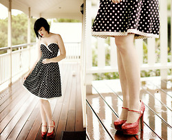 Kaylah Wanny - Thrifted Simple Vintage Style Dress, Zu Heels - Rainy Day